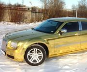Прокат лимузина Chrysler 300C (Rolls-Royce)  белого цвета для свадьбы.