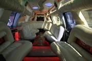 Лимузин Cadillac Escalade для свадьбы в Астане.
